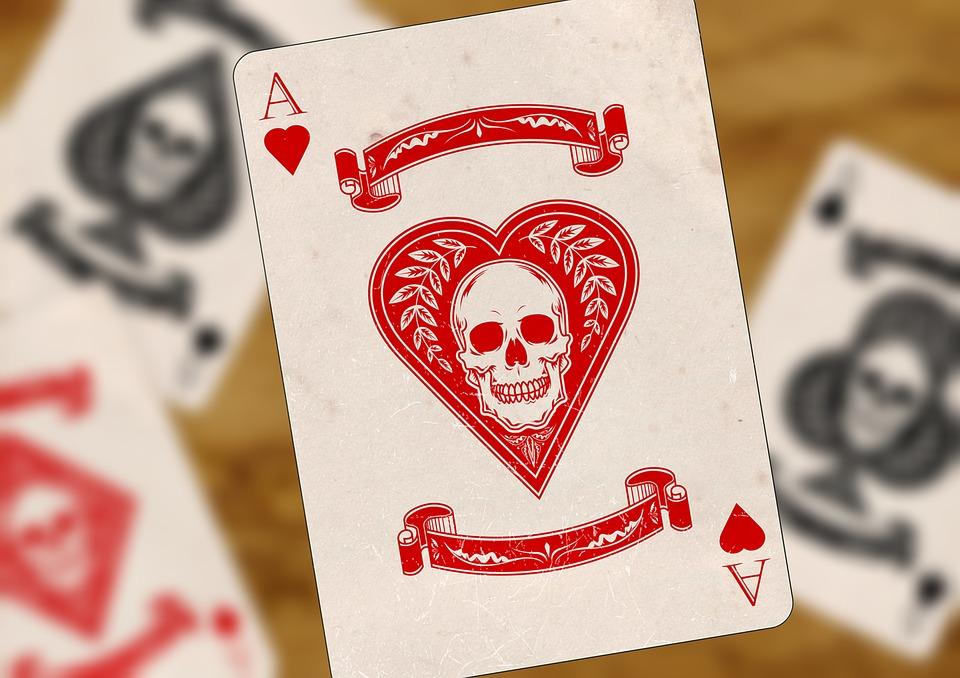 https://pixabay.com/fr/cartes-%C3%A0-jouer-ace-coeur-croix-pik-1068145/